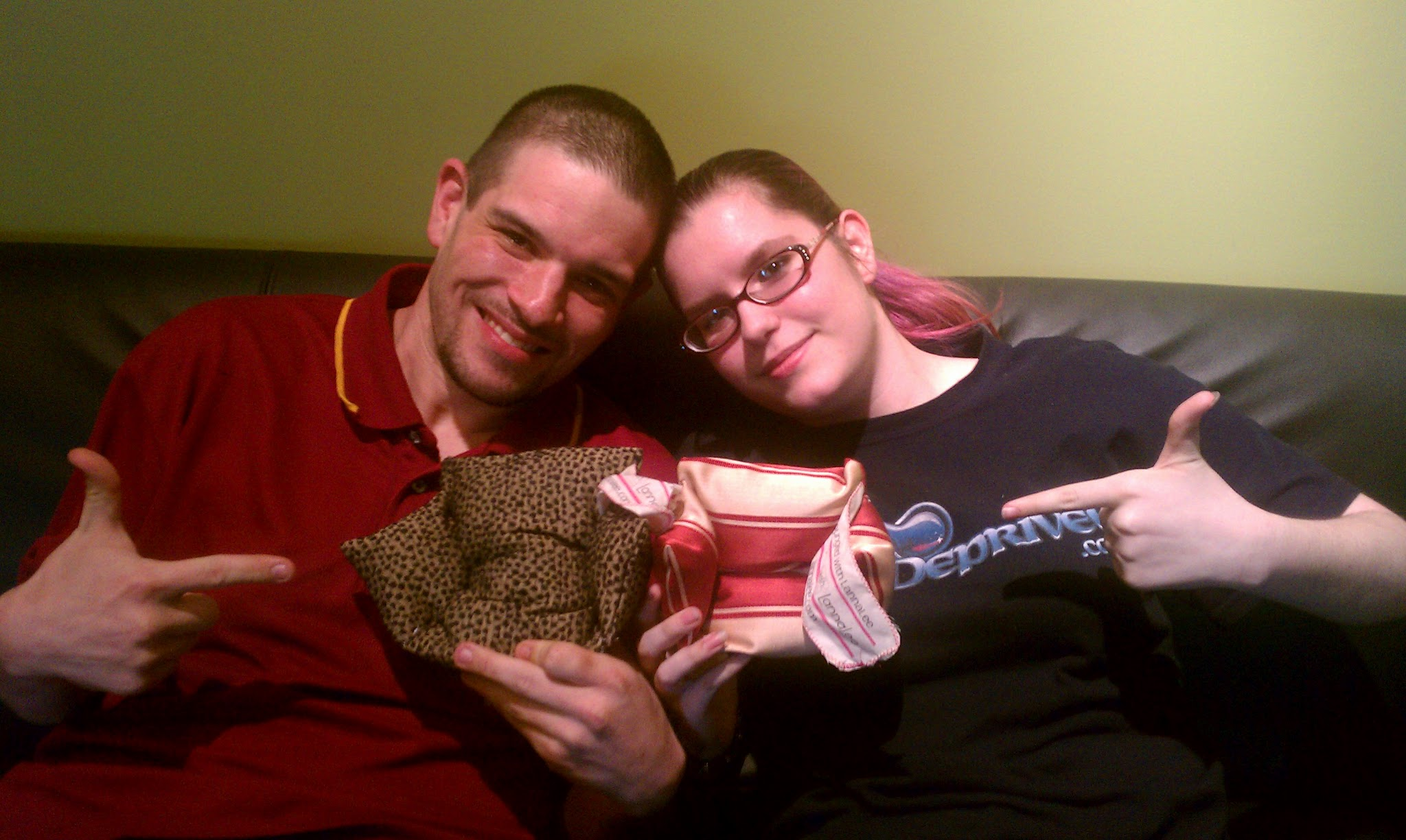 Tony and Mariah lounged with LannaLee and got couches!